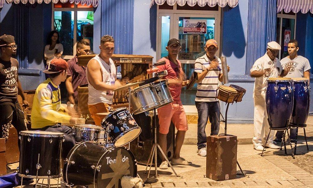 Cuba Habana Musicos Noche