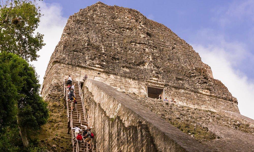Subida a la pirámide