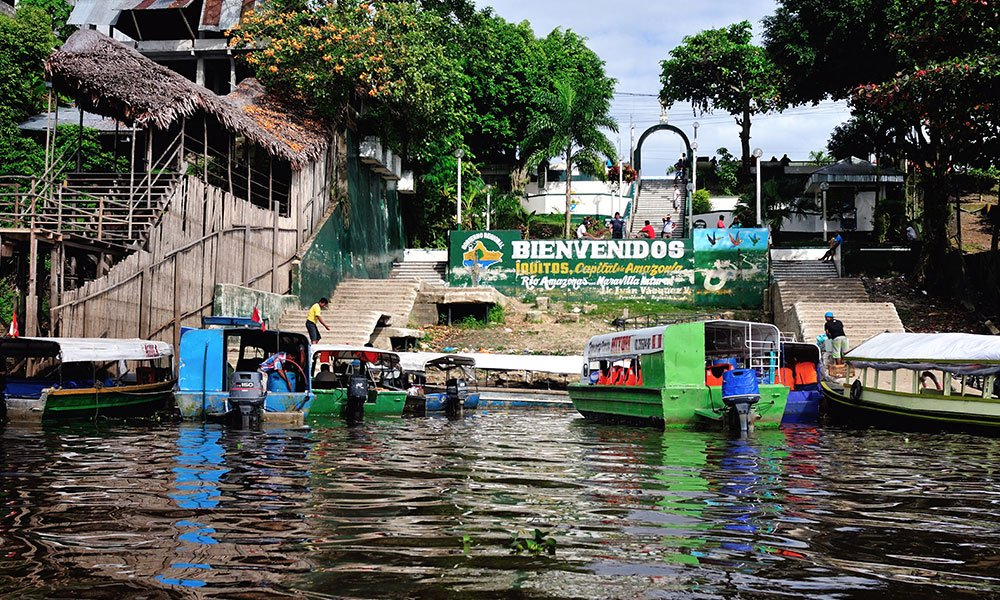Embarcadero de entrada a Iquitos