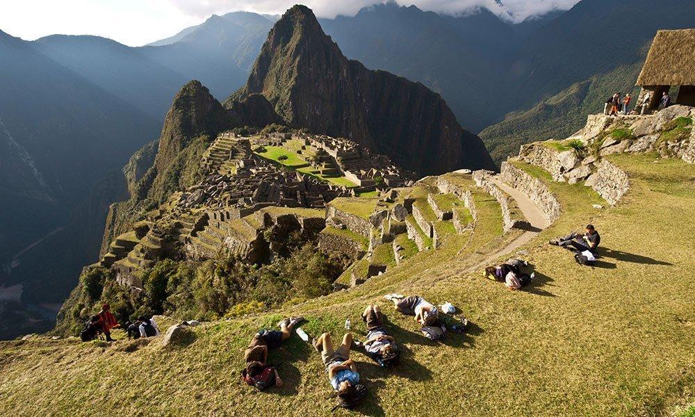 Machu Picchu Excursionistas Tumbados